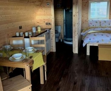 Glamping Pod With Hot Tub